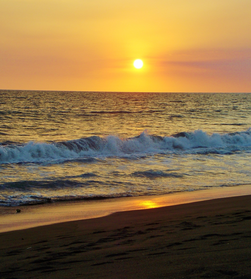 The Pacific offers another gorgeos sunset