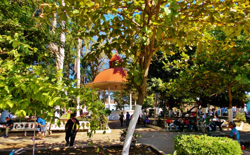 Parque Mendez, Santa Ana.  Great spot for Pupusa breakfast