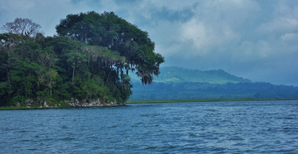 sStunning views on the lake