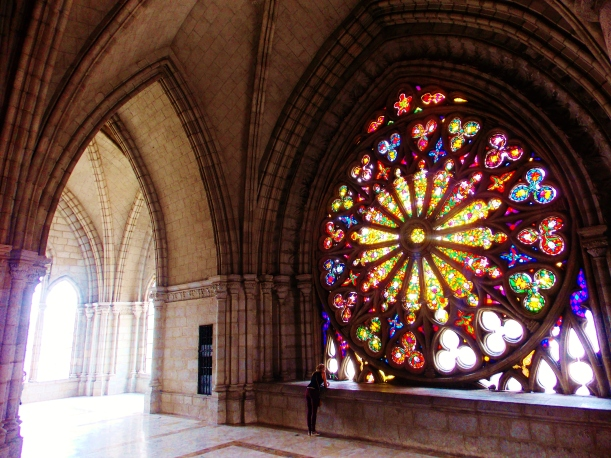 Stained glass glory of the Basilica de Volto Nacional
