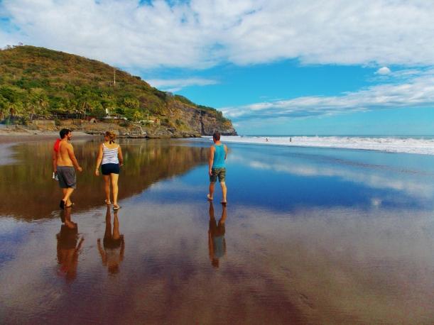 El Zonte's eastern beach