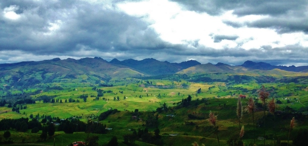 Some Andean scenery on the way to Alausi