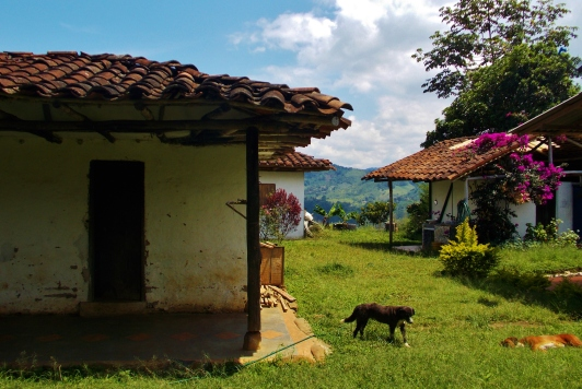 A local house on the way round the hills of San Agustin