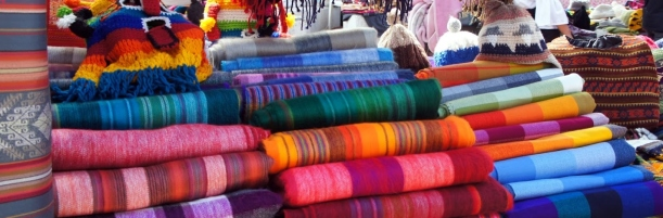 Alpaca blankets - The colours of Otavalo