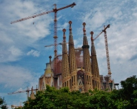 Cranes still all around the under constuction Sagrada Família