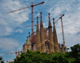 Cranes still all around the under constuction Sagrada Família
