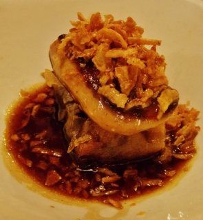 Luxury tapas - Foie Gras on crispy beef - Bar del Pla