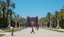 Arc de Triomf - Not just the Frenchies!