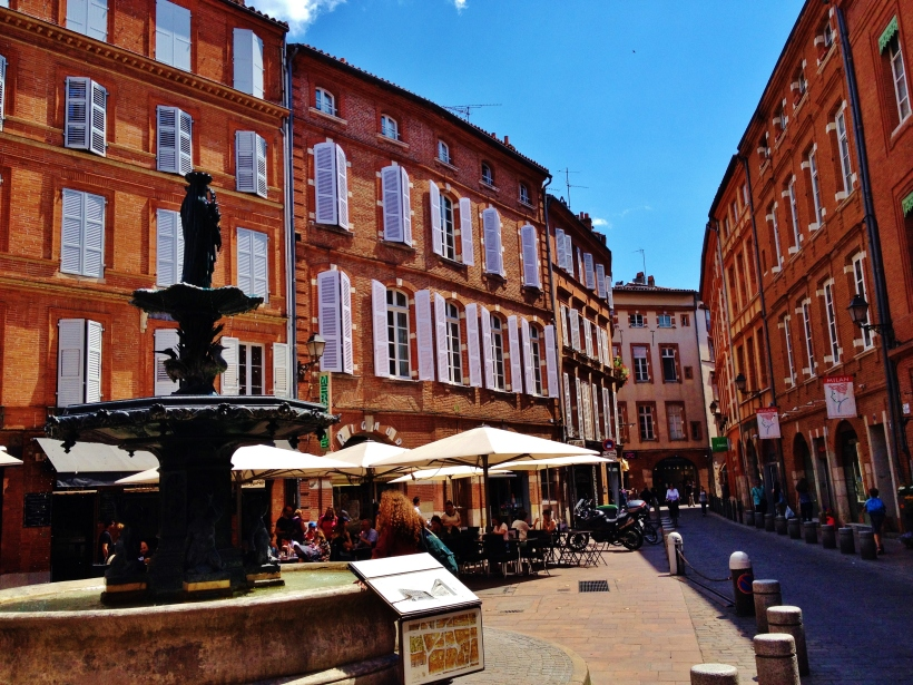 The streets of Toulouse - or the 'Ville Rose' as it it is known.